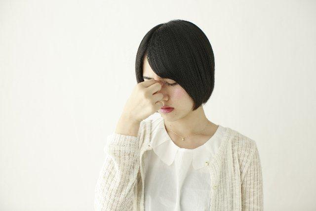 疲れ目の原因と手軽な眼精疲労対策について。酷使された目を癒やそう!