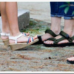夏にピッタリ!女性向けのオシャレなサンダルと選び方について。